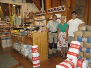 Werner (li) und Renate (mi) mit Sohn Joachim Unsöld (re)